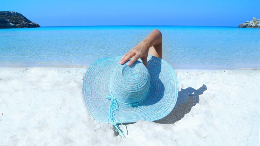 lady, sun, hat, beach, relaxing - mess up with money